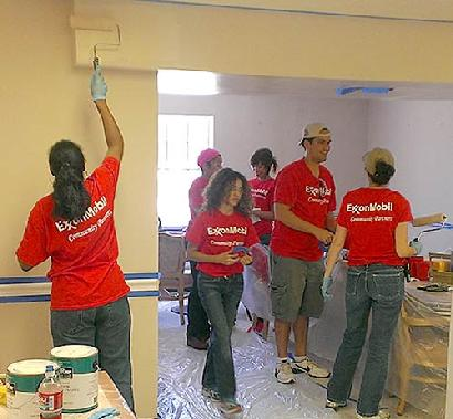 410_ExxonMobil-volunteers1